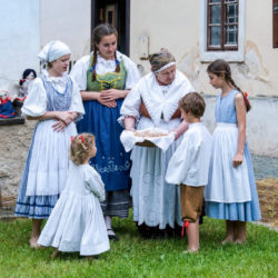 Vystoupení Barunky na zahradì Starého bìlidla.